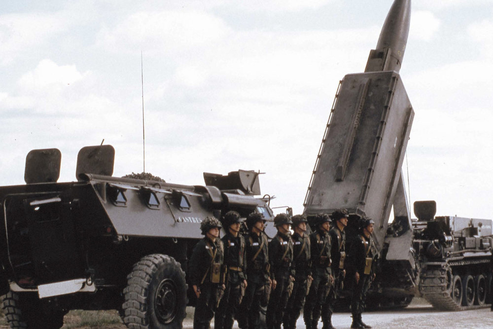 Defending Western Europe against the SS-20 intermediate missile threat, NATO started stationing mobile Pershing missiles in Germany, Great Britain and Italy.
