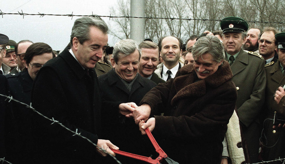 "The foreign ministers of Austria and Czechoslovakia Alois Mock and Jirí Dienstbier cut the iron curtain on the border between the villages of Kleinhaugsdorf and Hate on December 17, 1989, after the ""velvet revolution"" had made it obsolete."