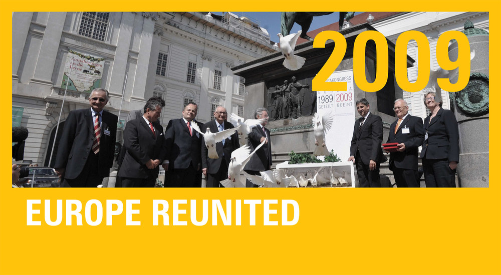 "Above:  During the ""European Congress"", organized by the Austrian Ministry of European and International Affairs in Vienna at the end of May 2009, white doves of peace are released from the heart of Vienna's first district to symbolize EUnification as a grand peace project. The people (from left to right) are Tamas Horvath (the coordinator of the 1989 commemorations in the Hungarian Foreign Ministry), Jan Koukal (Czech ambassador in Vienna), Mikolaj Dowgielewicz (Polish Secretary of State), Wladyslaw Bartoszewski (former Polish ambassador to Austria and foreign minister), Heinz Fischer (Austrian President), Michael Spindelegger (Austrian Foreign Minister) Peter Balazs (Hungarian Foreign Minister), Dragoljuba Bencina (Slovenian State Secretary)."