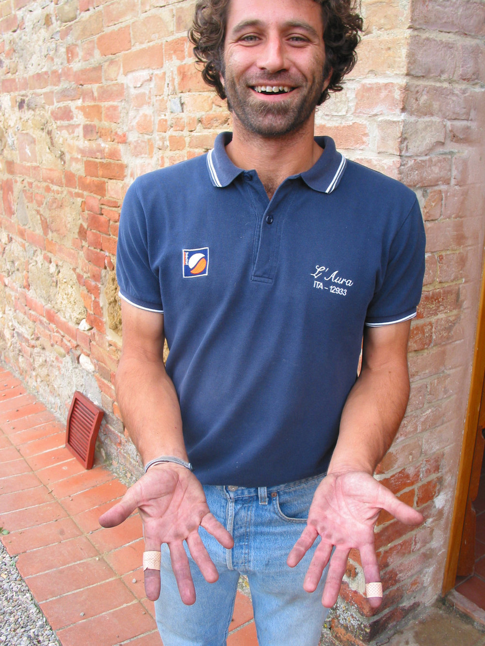 Boscarelli's Luca De Ferrari , showing his harvest hands