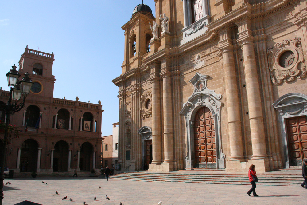 The cathedral in Marsala's main square.