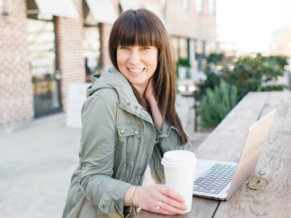 Laura of @heylaurabarnes