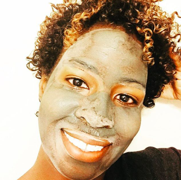 Brittney of @ohhoneyskincare - skin care line