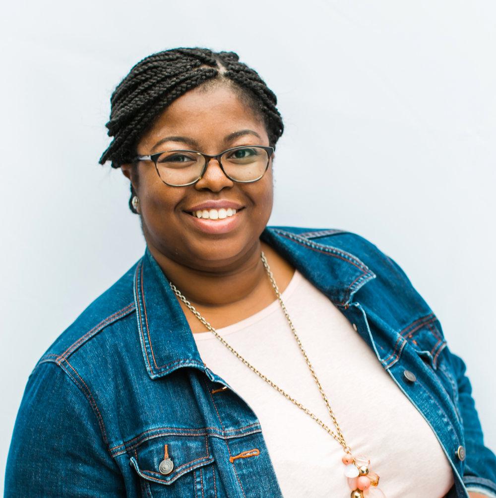 Meet Amanda, wedding + lifestyle calligrapher behind @mspeachplusdesigns