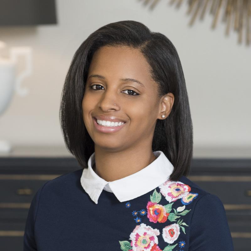 Meet Jessica, graphic designer behind @sincerelysade.co