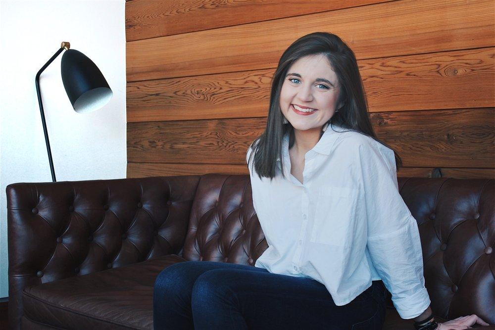 Meet Kayla, web designer behind@kayla.elizabeth.smith