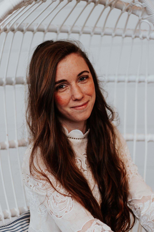 Meet Chelsea,Social Media Strategy & Creative behind @chlsblckstck