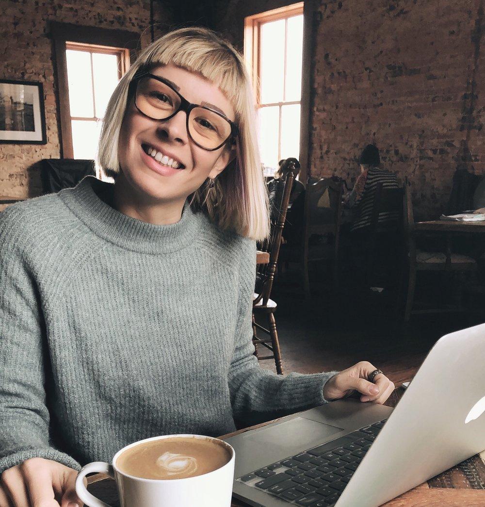 Meet Sara, founder & web designer behind @pelooccrew