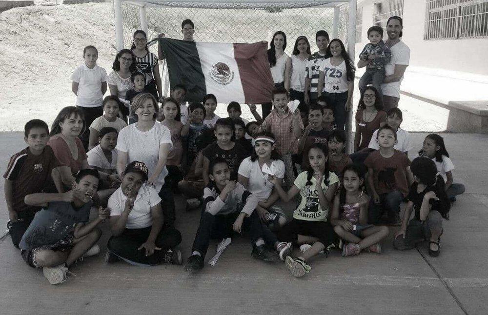 jovenes mexico 2.jpg