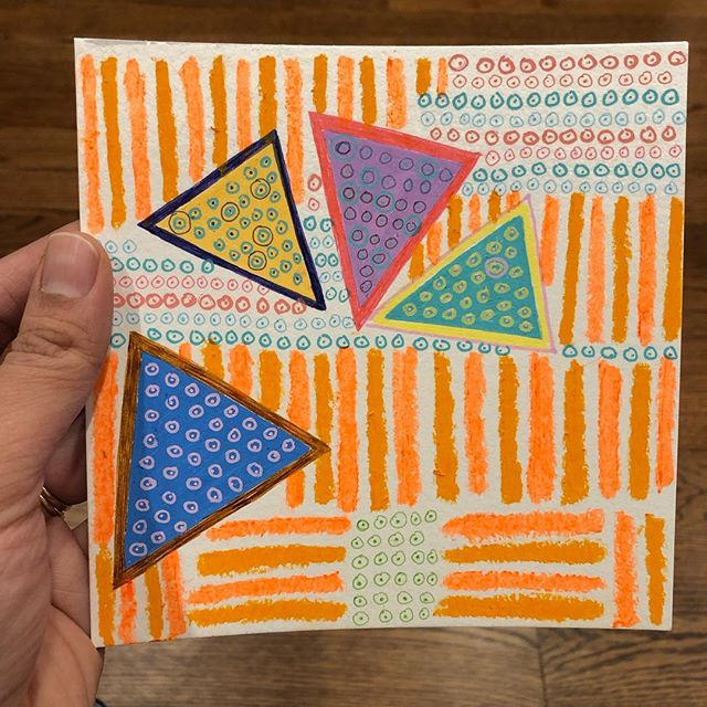 It's so hard to photograph neon orange! Loving the process of making these little drawings because I am not as fussy about the perfection of mark making. Also, I got a little girl to eat her carrot slices today by telling her that it was cheese. 🥕 🥕 🥕 I still wonder how she fell for it, because she is really smart like that 😂😂😂 . . . . . . . . . . . #drawing #neonorange #studiotime #triangles #circles #contemporarydrawing #newyorkartists #dots #lines #paperart #oilpastels #markers #painter #abstract