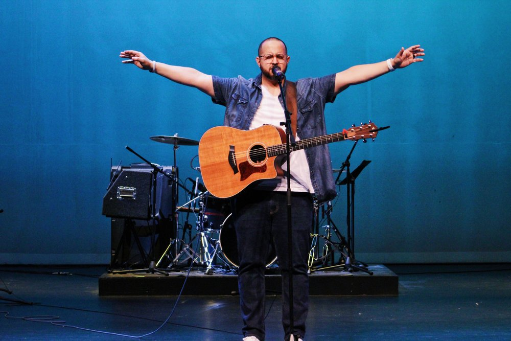 <p><strong>Ronnie Longoria</strong>Worship Arts Director</strong><br><bold>