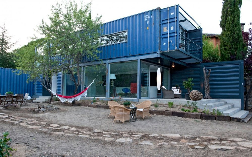 Shipping-Container-House-in-El-Tiemblo-Street-View.jpg