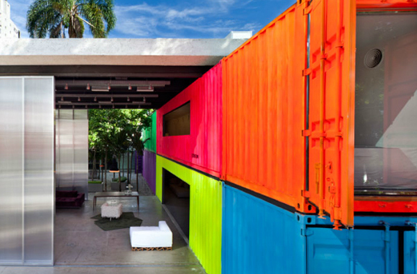 colorful-brazilian-container-home.jpg