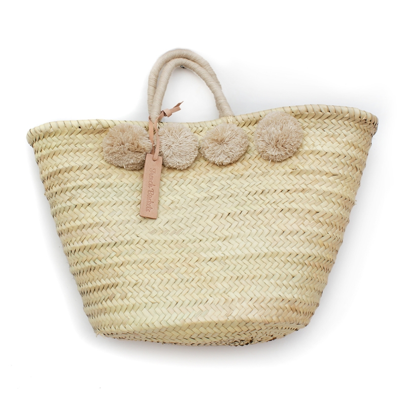 A French baskets beach bag - I never like to sacrifice functionality for style, and with this bag, there is definitly no compromise!