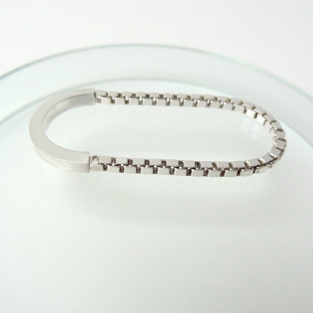 ring two finger chain wire mood side.JPG