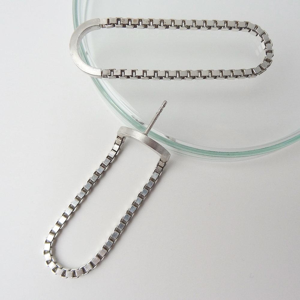 earrings oval oblong chain wire bend td.JPG