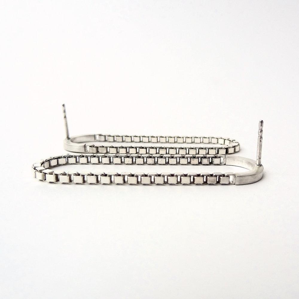 earrings oblong chain wire studs Kopie.JPG