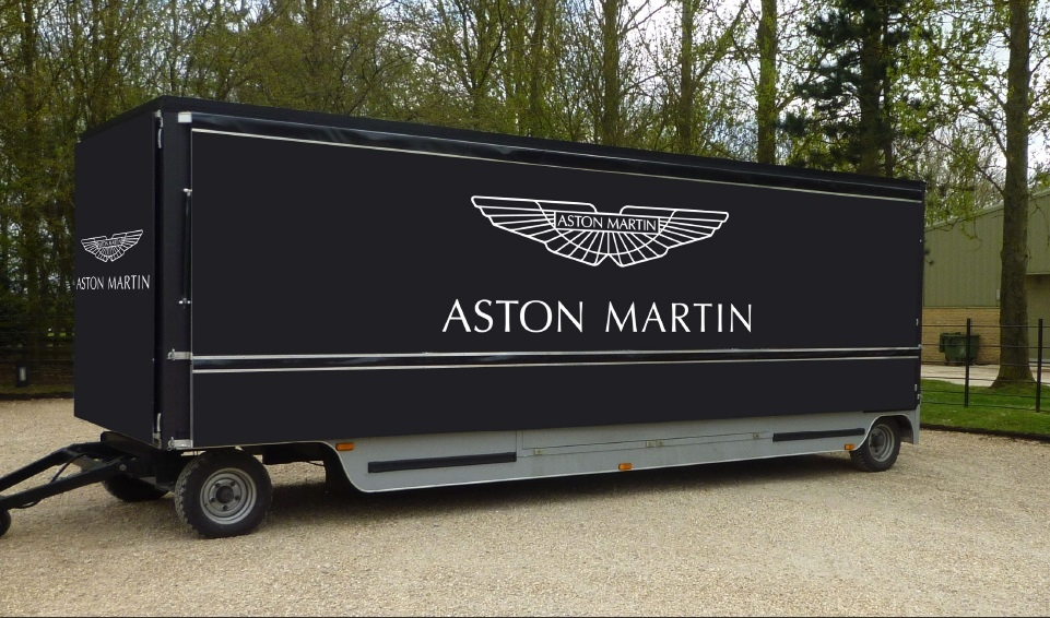 This stunning mobile Aston Martin promotional facility demonstrates the stable and easy to tow kompak design, without compromising on the beautiful finer details and ergonomic build.