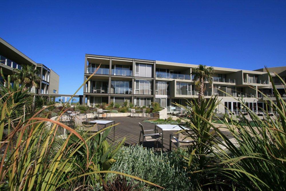 on shore resort, australia  Contour Design