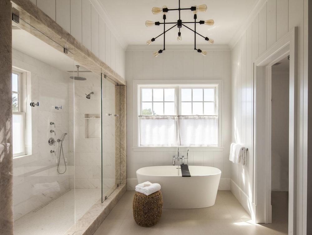 18_46_Master Bath.jpg