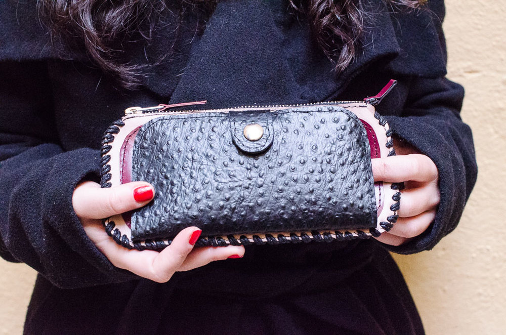 delia wallet -