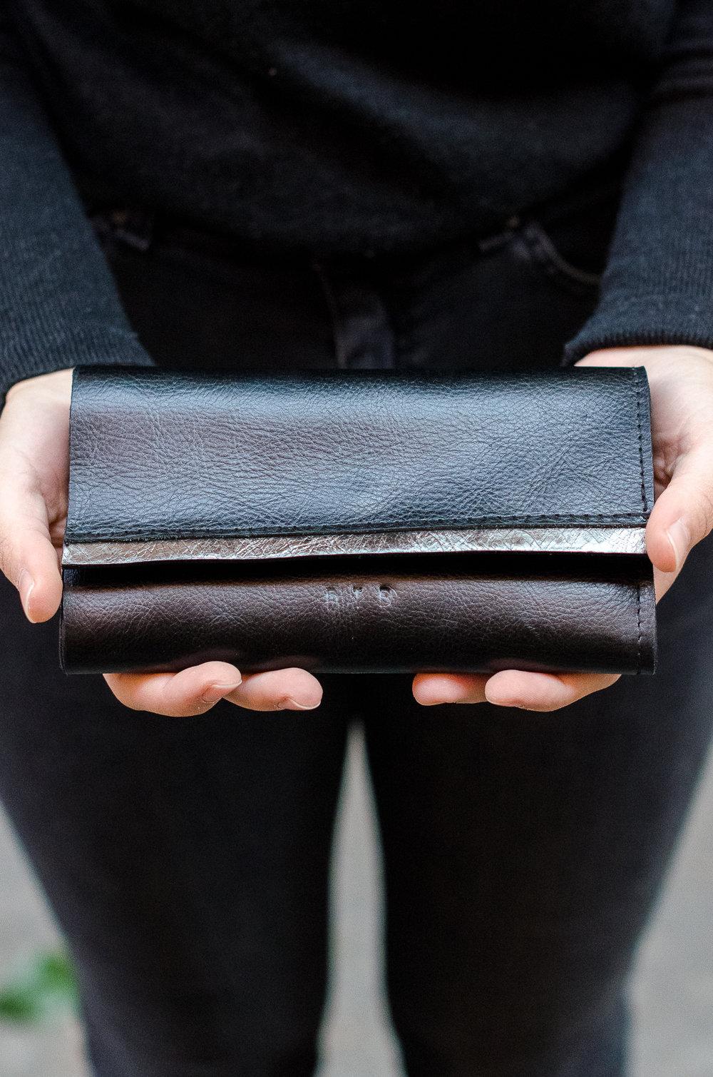 frida wallet -