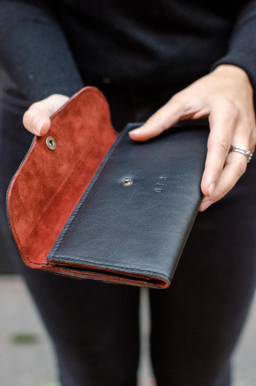 clarissa wallet -