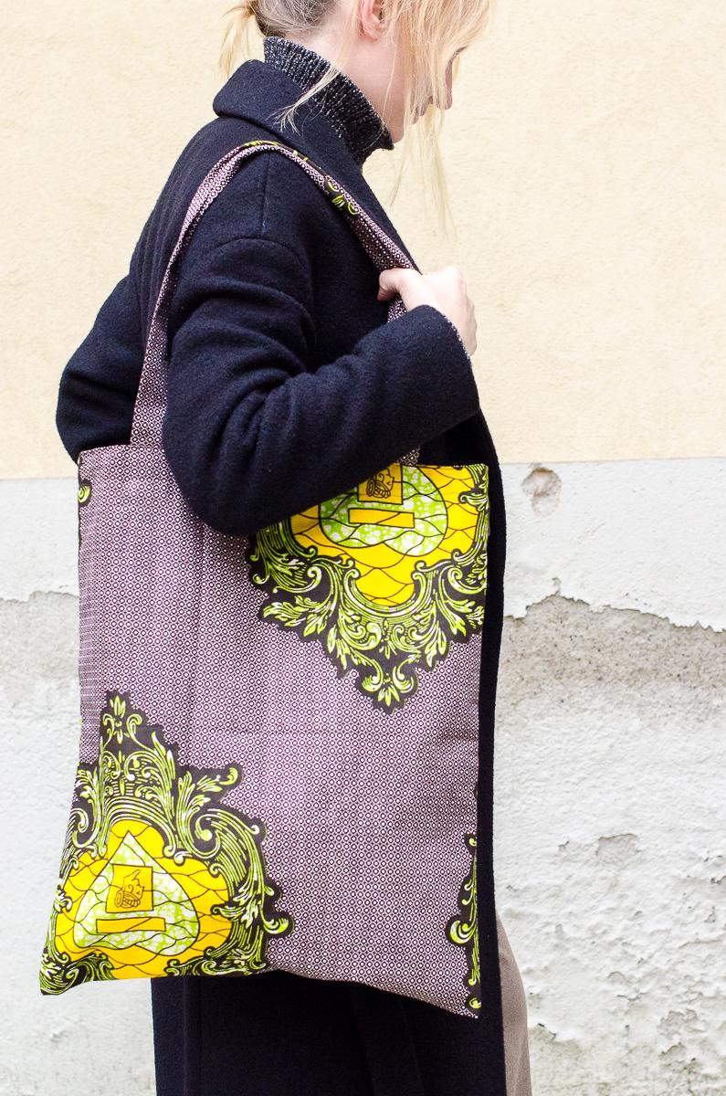 jasmine bag in gray - 35 euro