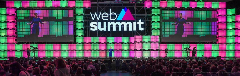 Web_Summit_2017_-_Centre_Stage_Day_1_SM1_3995_(24369081448).jpg