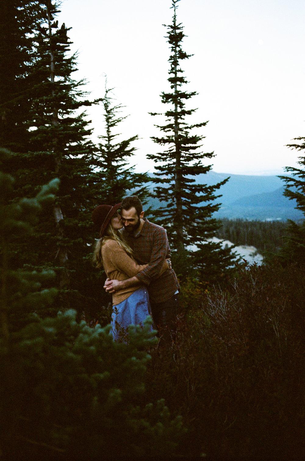 engagement photo Mt Hood Oregon