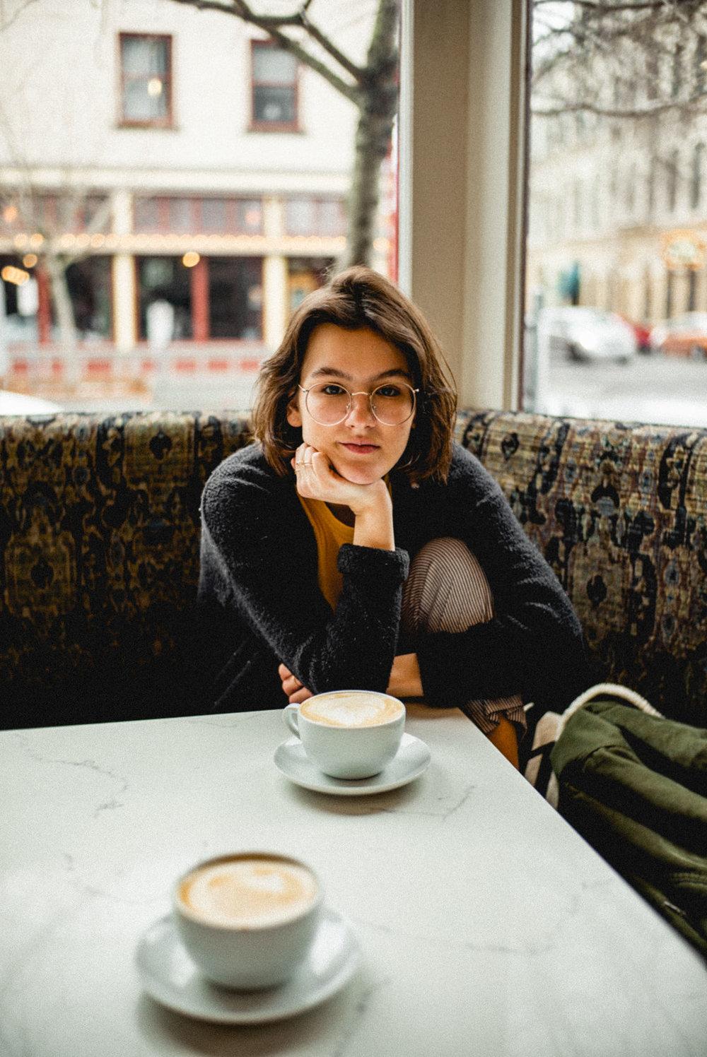 Leica portraits in a coffee shop in Portland