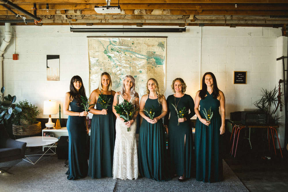 bridal party photos in union pine portland