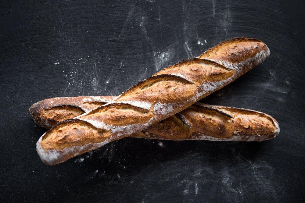Epicerie_bread2Baguettes_EvanSung.jpg