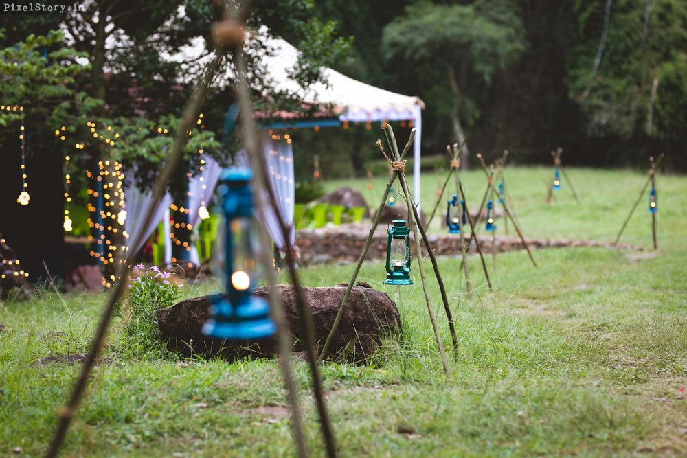 PixelStory-Jungle-Wedding-Photographer-Masinagudi-Indo-French003.jpg