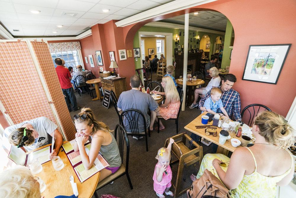 Rainbow-Restaurant-071716-115.jpg