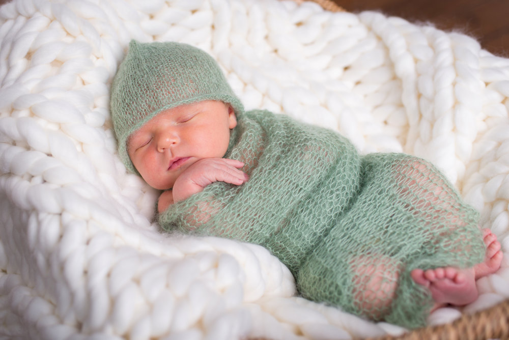 Grant_Newborn (32).jpg