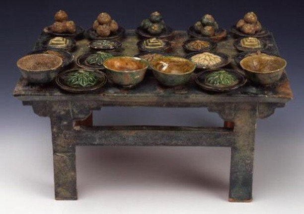 """Altar Table with Food Stuffs,"" Unknown Artist.  15th-17th century, probably 16th century. Ming Dynasty (1368-1644). Earthenware with partial fahua style lead glaze. Currently on view at @SmartMuseum. 