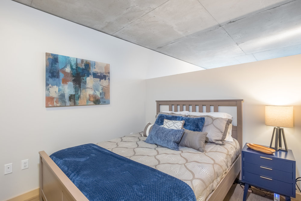 Short-Term/ Vacation Rental: Modern Contemporary Bedroom Furnishing