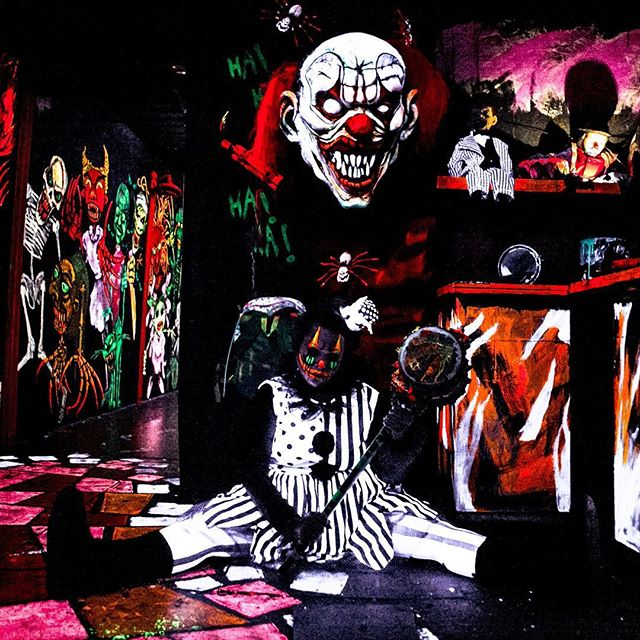 Sweet dreams 🤡#TagSomeoneScaredOfClowns #HouseofHorrorMiami