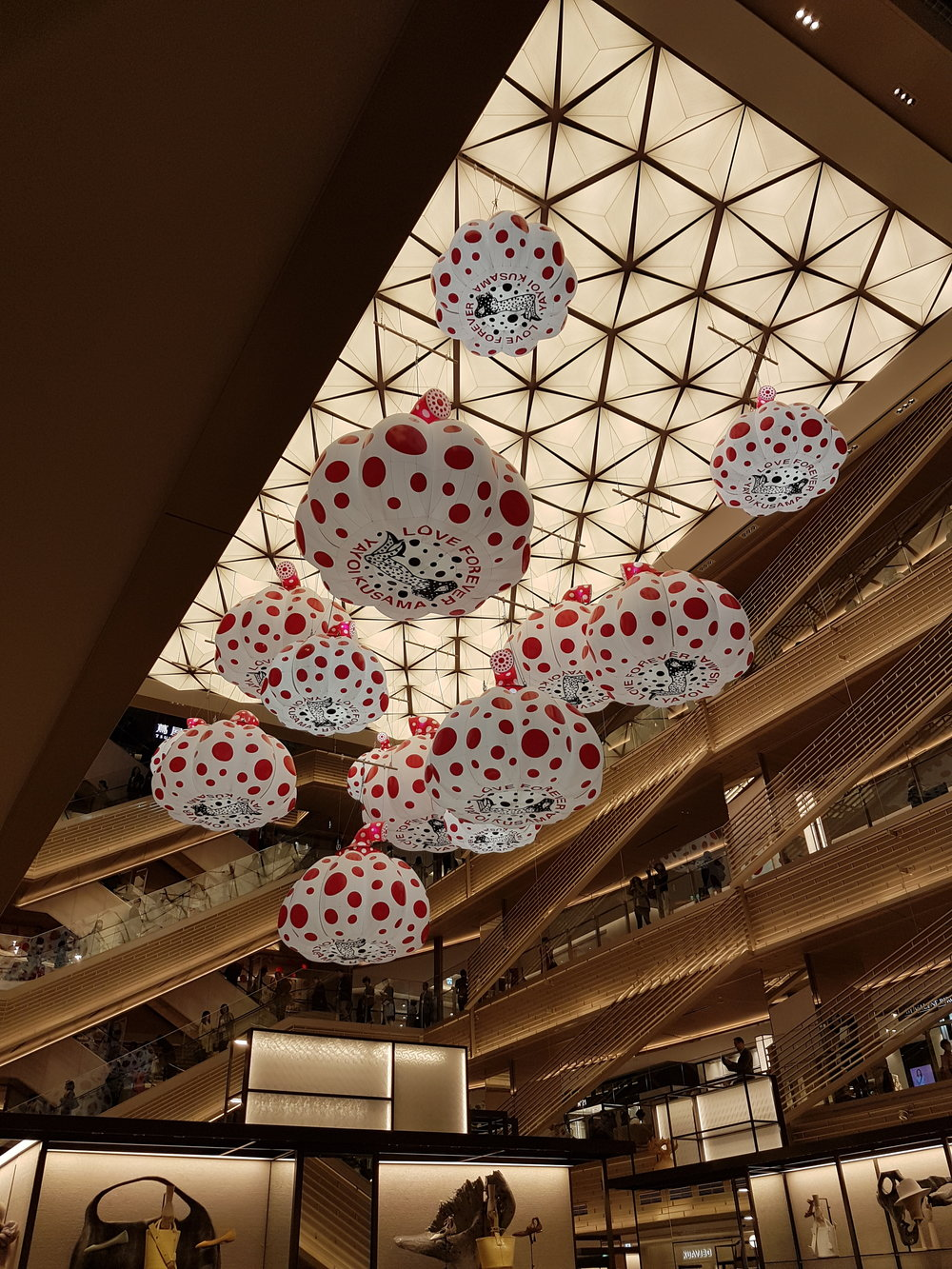 Pretty Yayoi Kusama installation at the new Ginza Six mall. There's also a Yayoi Kusama store at the mall.