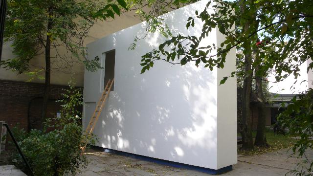 Jean-Pascal Flavien,  no drama house, 2009,Kurfürstenstraße 20, Berlin, 5,5 × 7,75 × 1,2 m