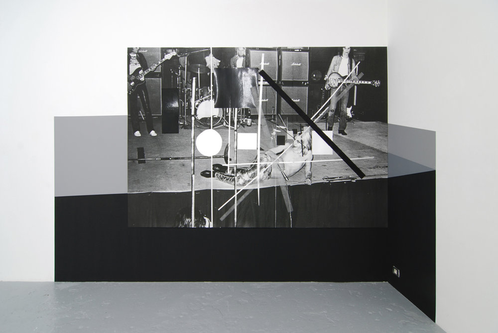 Meredyth Sparks,  Iggy Pop , 2009, wall piece: digital scan, aluminum foil, glitter, vinyl, grey and black paint on wall - 121.25 x 83 inches / 307.98 x 210.8 cm