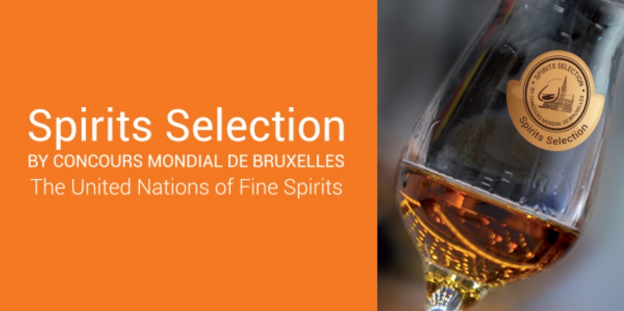 SPIRIT SELECTION SILVER MEDAL WINNER IN 2017 -  Jungle Gin won the prestigious Silver Medal from Spirit Selection by Concours Mondial de Bruxelles. Jungle currently hold the only medal for this category in Brazil.More than 1200 spirits from 54 Countries participated in the 2017 edition.  The jury was composed by 66 professionals representing 22 countries.