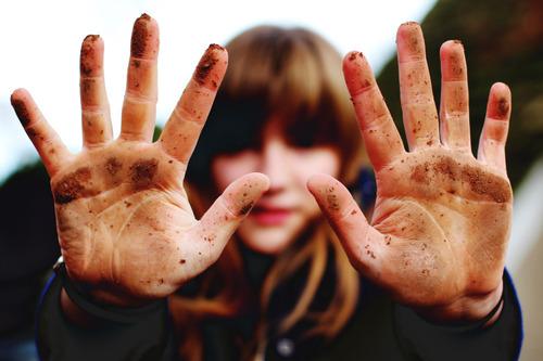 dirty-hands-woman.jpg