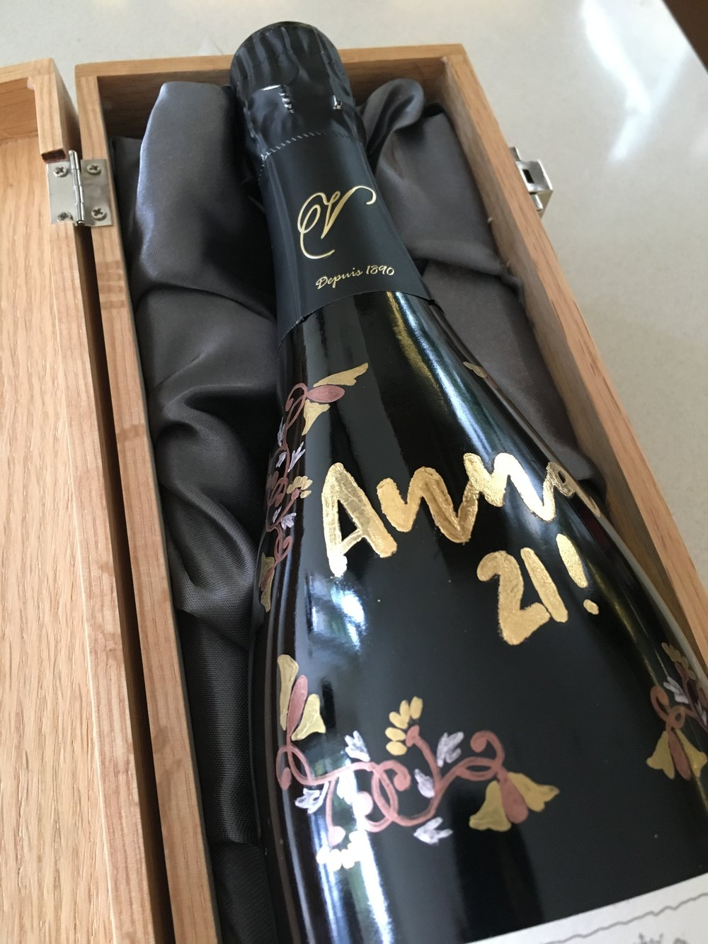 21st Birthday Present - If you can supply the bottle, I can do the motif! Beautiful bottle for a big celebration. Also great as a wedding gift.
