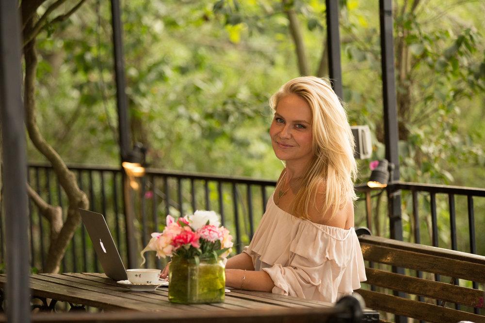 Aleksandra Pesic  hello@westsideneighbor.com