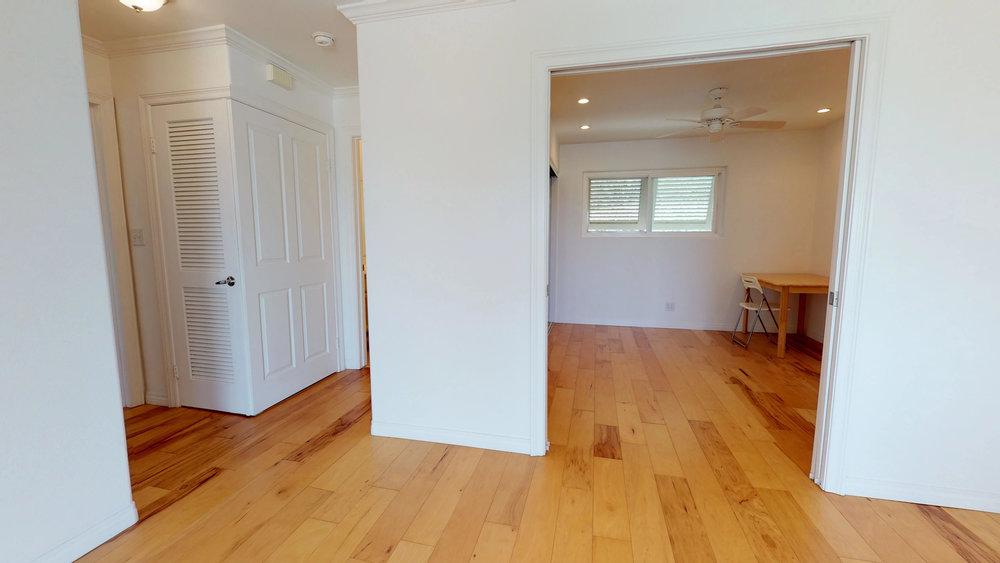 Waterfront-2-bedroom-condo-08272018_085047.jpg