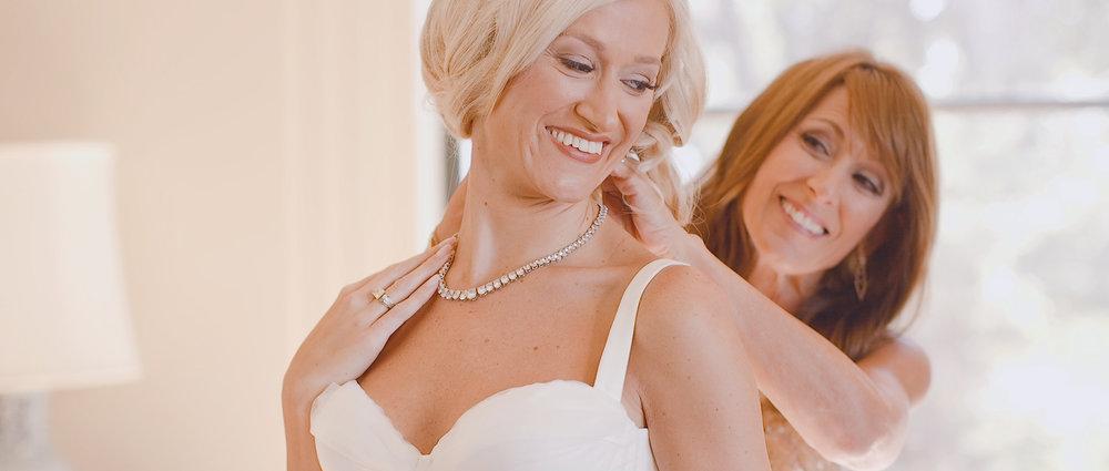 bride-mother-wedding-day.jpeg