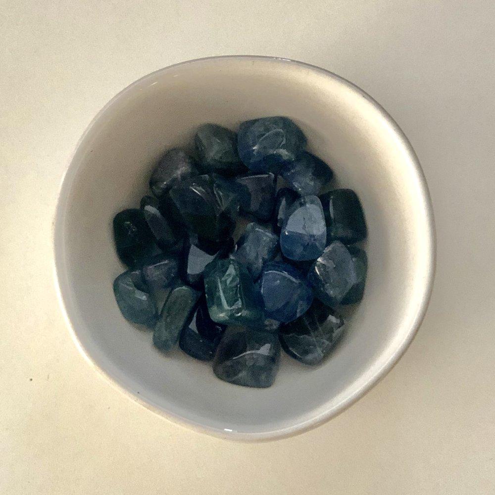 Blue Fluorite    Chakra: Throat   Aides in stabilizing, grounding and harmonizing.   Price: $2.50
