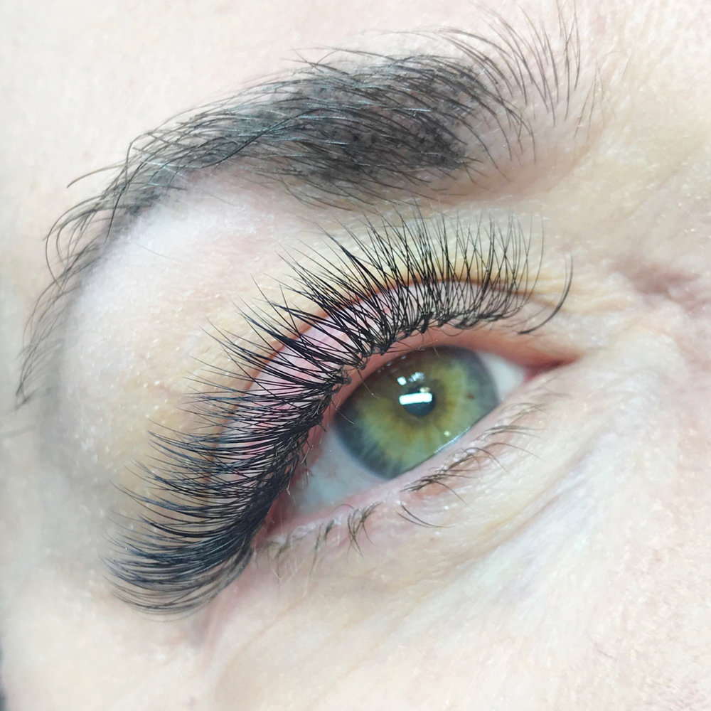 volume-lashes-blog.jpg